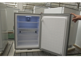高精度、节能型17度精液恒温冰箱的优点